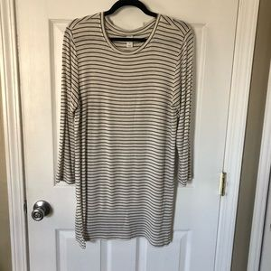 Old Navy Black and White Striped Tunic Length Top